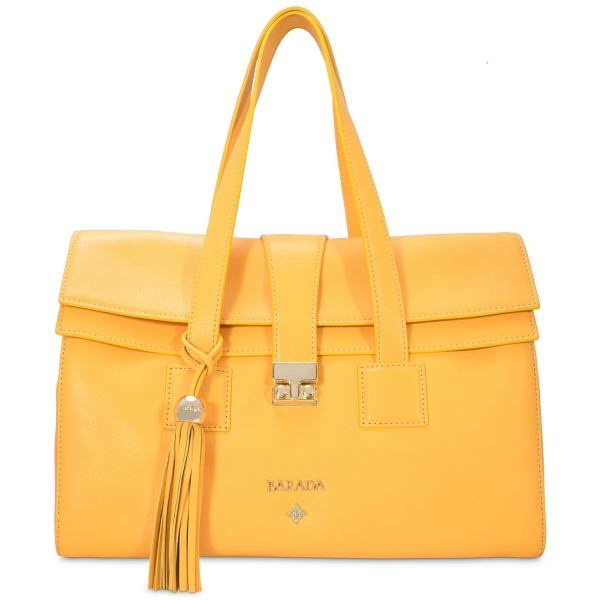 Hand bag from our Breena collection in Calf Leather (Antelope)